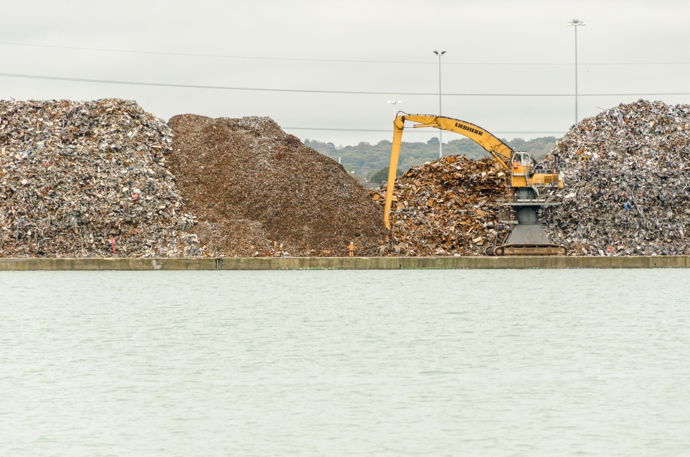 hydraulic grab at southampton docks hampshire